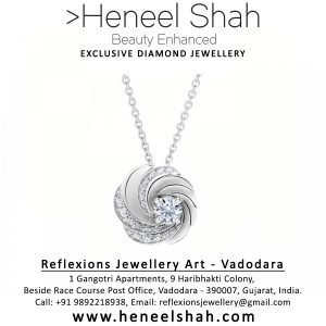 18 K white gold Diamond pendant